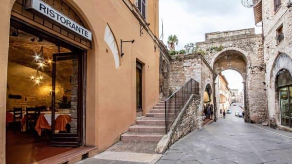 Esterno - Osteria del Corso, Assisi