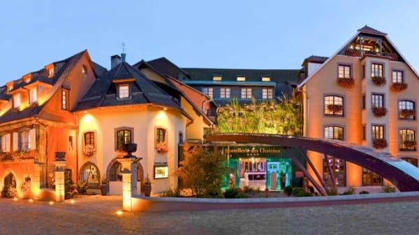 Vue de l' extérieur - Hostellerie des Châteaux & Spa, Ottrott