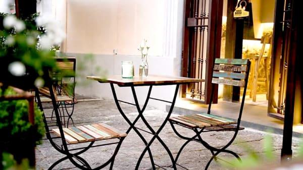 Particolare tavolo - Bistrot 26, Teano