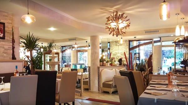 Restaurant - Le George V, Eaubonne