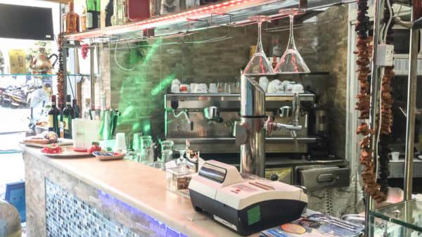 bancone - Pub Russo Fortuna, Rome