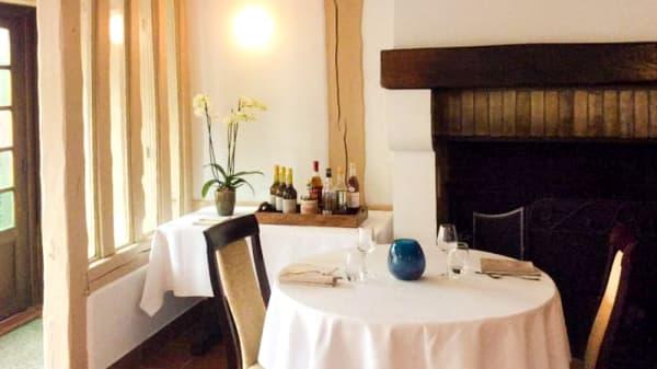Salle du restaurant - L'Achillée, Touques