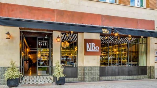 Entrada - Kibo Gastro Club, Sevilla