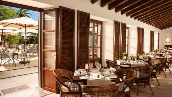 Sala del Restaurante - Olivera - Castell Son Claret, Es Capdella