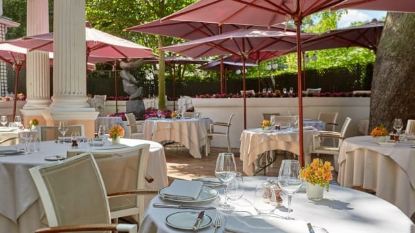 terrasse - Restaurant Laurent, Paris