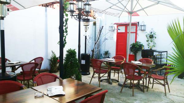 Patio - Fernanda Bar de Abastos, Sevilla