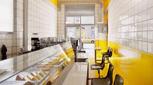 Vista sala - Cafetería Industrial, Barcelona