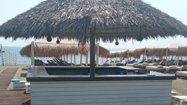Beach Club restaurant, Massa