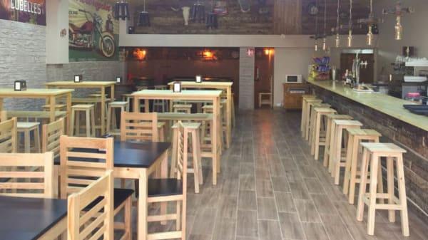 Vista de la sala - Cava&Roll Taverna, Cubelles