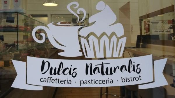 Entra nella nostra Caffetteria Bistrot, con produzione propria di pasticceria - Dulcis Naturalis, Milano