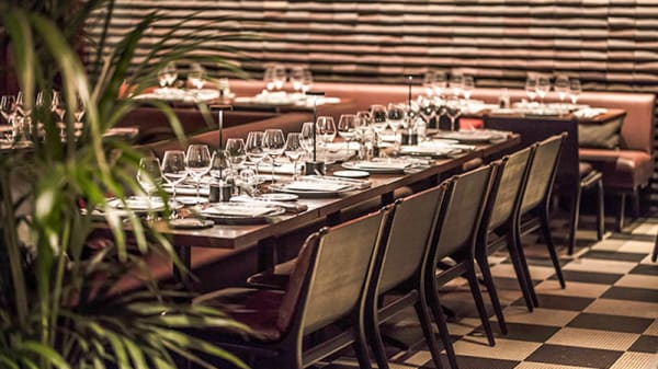 Tables dressées - ROXO LES BAINS PARIS, Paris