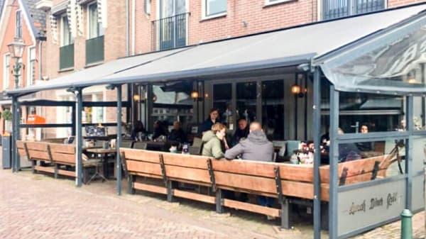 Zicht op het terras - The Smokehouse, Bunschoten-Spakenburg