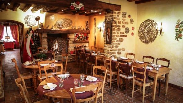 Salle du restaurant - Auberge de l'Abbaye, Neauphle-le-Vieux