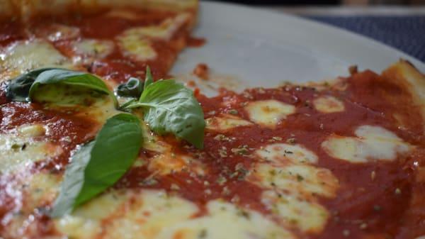 Plato - La Pizza é Bella, Madrid