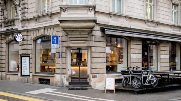 Stripped Pizza Seefeld, Zurich