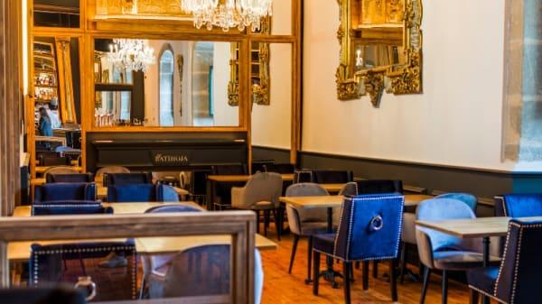 Interior - El Batihoja, Segovia