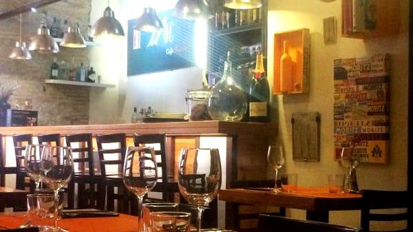 Interior - El Lloc Cafè Bistrot, Figueres