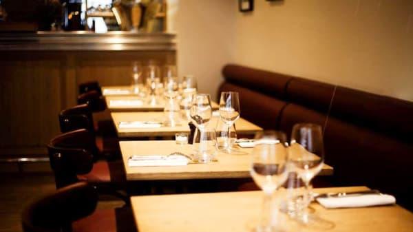 tables dressées - La Haute Cloche, Paris