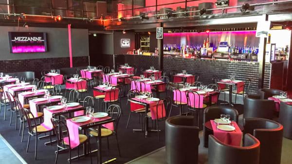 Salle du restaurant - Le Wahou Restaurant / La Mezzanine Club, Saint-Pierre-du-Perray