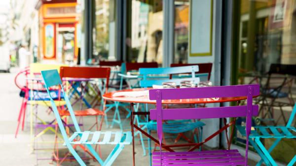 La terrasse - Le Village, Paris