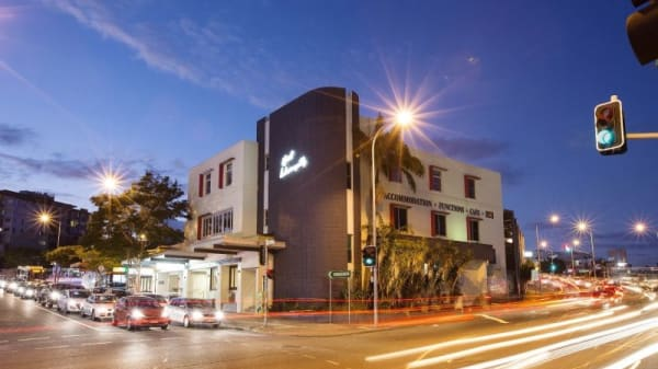 Restaurant's front - Indooroopilly Hotel, Indooroopilly (QLD)