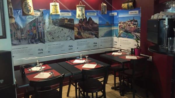 Vue de la salle - La Trattoria di Montlignon (Vente à emporter contactez 0678224434), Montlignon