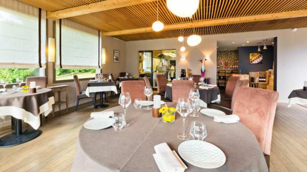Salle de restaurant - La Croix de Savoie, Arâches-la-Frasse