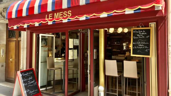 Le Mess, Paris