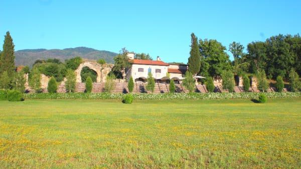 Vista del Casale dall'area verde - Casale Anio Novus, Tivoli