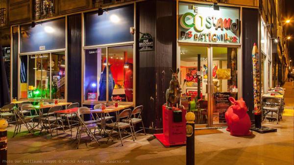 Façade - Le Costaud des Batignolles, Paris