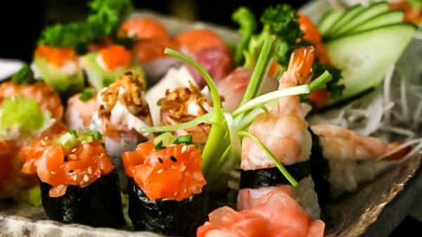Sushi 3 - Sakura Linda a Velha, Linda-a-Velha