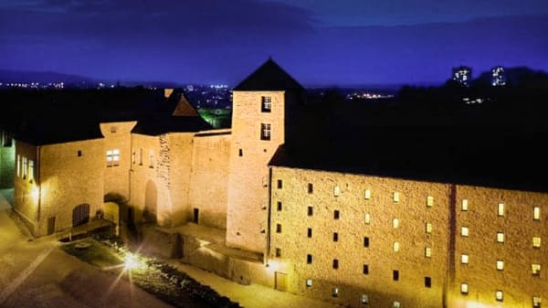Hôtel Le Château Fort de Sedan - La Principauté, Sedan