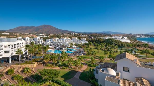 Terraza - Palapa Grill Gastrobar Estepona Hotel & Spa Resort, Estepona