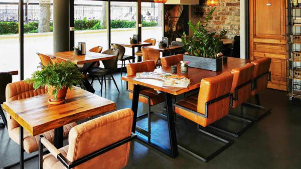 Het restaurant van binnen - Rails, Heiloo