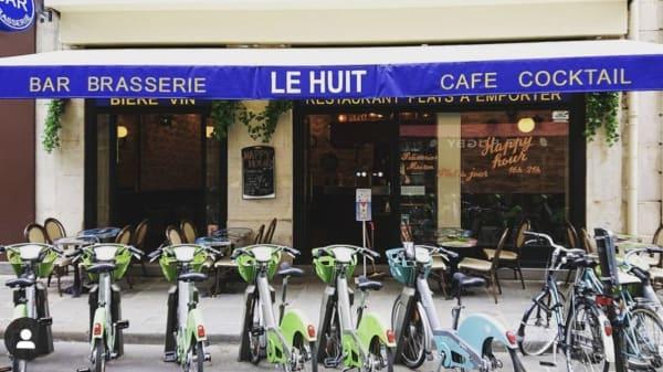 Le Huit, Paris