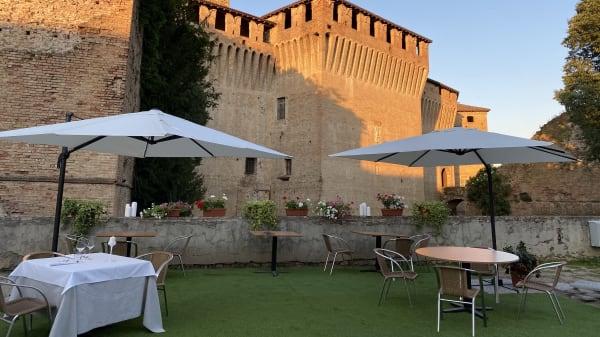 Esterno - Al Castello, Montechiarugolo
