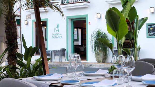 Entrada - La Taberna Fantástica, Marbella