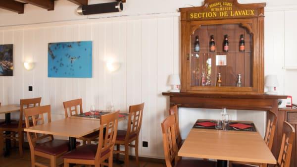 Salle du restaurant - Le Pigeon, Forel