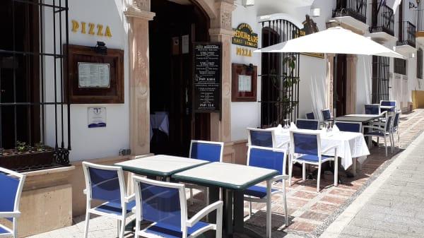 Medium Rare, Marbella