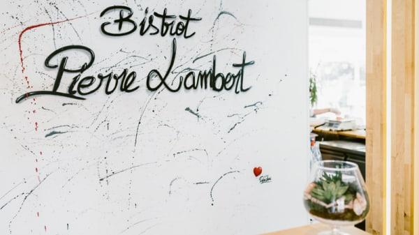 L'Expérience Pierre Lambert, Courbevoie