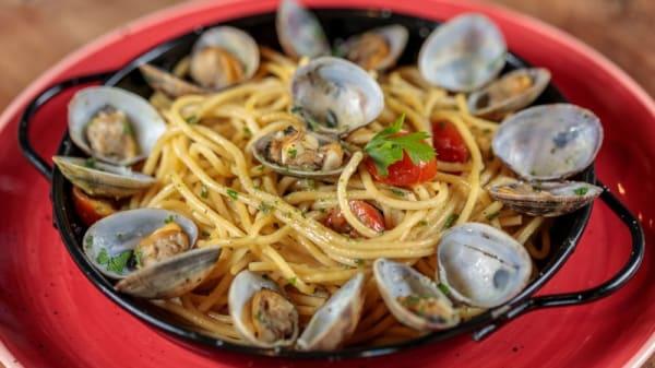 Spaghetti alle Vongole - La Piazza Arena, Valencia