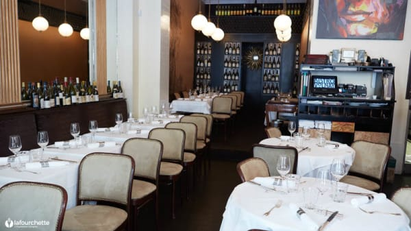 Salon du restaurant - Bistro Volnay, Paris