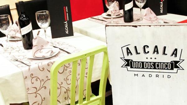 Detalle ambiente - Alcalá Uno Dos Cinco, Madrid