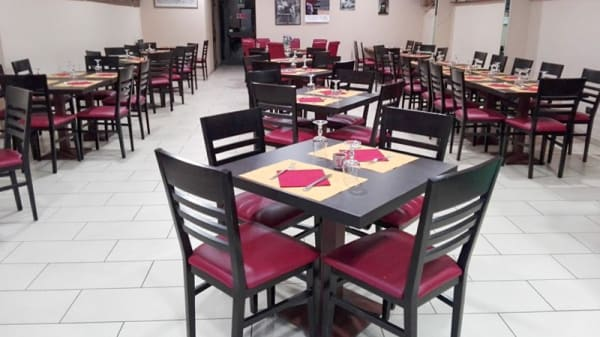 Sala - Pizzeria Peppone, Pisa