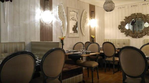 Salle du restaurant - La Marie Antoinette, Étretat