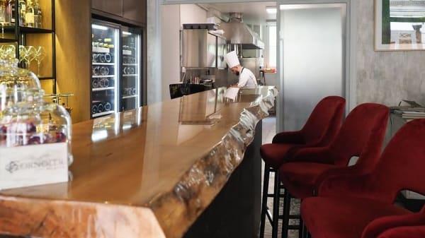 Bancone e cucina a vista - Cornoler, Torino