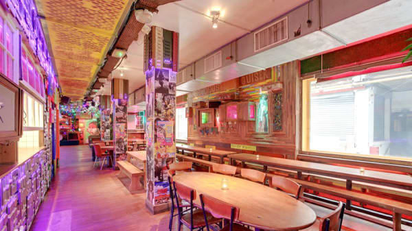 Salle du restaurant - Favela Chic, Paris