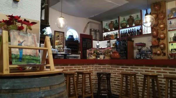 Vista de la sala - Taberna estar en babia, Madrid