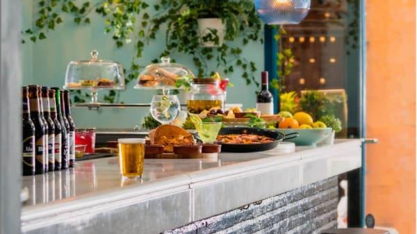 Nuestra barra - Tierrasanta Bar de Tapas, Madrid