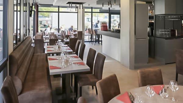 vue de la salle - Brasserie les Tuileries, Tassin-la-Demi-Lune